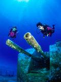 Diving Near the Shipwreck Mv Capt Tibbets off Cayman Brac, Cayman Islands Fotografie-Druck von Michael Lawrence