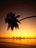Sunset Over Aitutaki Lagoon, Aitutaki, Southern Group, Cook Islands Fotografisk tryk af Peter Hendrie
