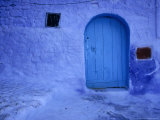 Alleys and Doorways Painted Blue to Repel Insects in the Rif Mountains, Chefchaouen, Morocco Reproduction photographique par Mark Daffey