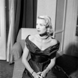 Grace Kelly During Interview with Daily Mirror Reporter Donald Zec at the 1955 Cannes Film Festival Lámina fotográfica