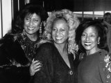 The Supremes the Girl Pop Band at London Airport Leaving for Los Angeles 27th of, November 1989 Fotografisk tryk