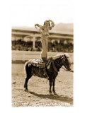 Petite cowgirl sur un poney Affiche