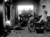 Preparation for the 1924 Isle of Man Amateur TT Race Fotografie-Druck