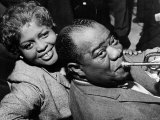 Louis Armstrong Jazz Trumpeter with His Wife, 1960 Reproduction photographique
