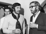George Lazenby with Michael Caine in 1969 Fotoprint