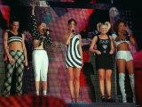 Spice Girls Singing on Stage During Their Concert at Glasgow Fotografie-Druck