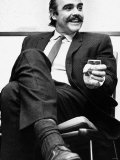 Actor Sean Connery Sitting in a Chair Holding a Glass of Whisky Reproduction photographique