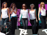 Girls Aloud Performing at T4 Party on the Beach, Weston Supermare. 22 July 07 Fotografisk tryk