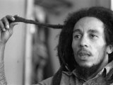 Jamaican Reggae Singer and Song Writer Bob Marley Duing an Interview For the Dail Mirror Fotografie-Druck
