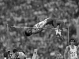 Moscow 1980 Olympic Games, Daley Thompson Clears Bar in the High Jump Discipline of the Decathalon Stampa fotografica