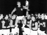 Captain of West Ham United Bobby Moore with Teammates After Winning the European Cup Fotografie-Druck