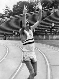David Bedford Smashed the World 10,000 Meters Record at Crystal Palace with Time of 27 Mins 31 Secs Fotografie-Druck