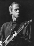 Mark Knopfler Leads Supergroup Dire Straits Infront of 700 People at Mayfair Ballroom, Newcastle Lámina fotográfica