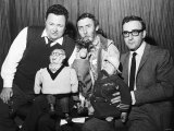 """Actor Peter Sellers with Harry Secombe and Spike Milligan Preparing For Radio Show """"The Goons"""" Fotografisk tryk"""