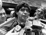 Football World Cup 1986 Diego Maradona Argentinian Footballer Talking to the Press Fotografie-Druck