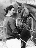 Prince Charles with His Polo Pony Pan's Folly May 1977 Lámina fotográfica