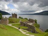 Urqhart Castle and Loch Ness Fotografisk tryk af Izzet Keribar
