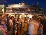 Bhangra Street Dance Party Outside Sail and Anchor Pub Reproduction photographique par Orien Harvey