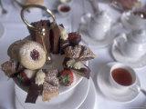 Afternoon Tea at the Butchart Gardens, Vancouver Island, British Columbia, Canada Fotografie-Druck von Connie Ricca