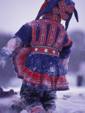 Lapp Child in Traditional Dress, Lappland, Finland Reproduction photographique par Nik Wheeler