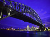 Skyline and the Harbor Bridge, Sydney, Australia Reproduction photographique par Bill Bachmann