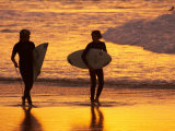 Surfers at Sunset, Gold Coast, Queensland, Australia Reproduction photographique par David Wall