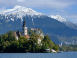 Bled Castle and Julian Alps, Lake Bled, Bled Island, Slovenia Fotoprint van Lisa S. Engelbrecht