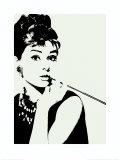 Audrey Hepburn, met cigarillo Poster