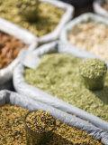 Spices for Sale, Market, Darjeeling, West Bengal, India Fotografie-Druck von Jane Sweeney