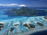 Aerial View over Bora Bora, French Polynesia Fotografisk tryk af Neil Farrin