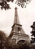 Eiffel Tower in Spring Kunst von Jonathan Larsen