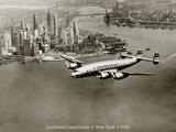 Lockheed Constellation, New York 1950 Giclee-trykk av Clyde Sunderland