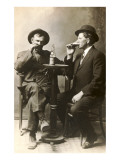 Two Men Drinking Beer Premium Giclée-tryk