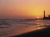 Playa De Maspalomas and Lighthouse at Sunset, Gran Canaria, Canary Islands, Spain, Atlantic, Europe Reproduction photographique par Pearl Bucknall