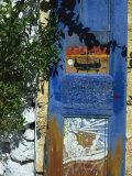 Painted Shutter, Chania Old Town, Crete, Greek Islands, Greece, Europe Reproduction photographique par Jean Brooks