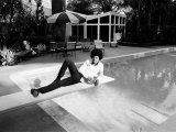 Michael Jackson at Home in Los Angeles by the Poolside, Lounging on Diving Board, February 23, 1973 Fotografisk tryk