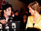 Michael Jackson Meeting Princess Diana at His Concert in Wembley Stadium, July 1988 Fotoprint