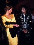 Michael Jackson at His Concert at Wembley Stadium When Meeting Diana the Princess of Wales Fotografisk trykk