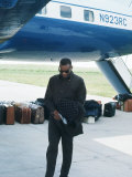 Ray Charles Beside His Private Jet Foto