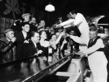 Sloppy Joe's Bar, in Downtown Chicago, after the Repeal of Prohibition. December 5, 1933 Foto