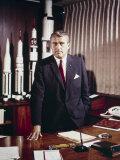 Wernher Von Braun, in His Office, May 5, 1964 写真