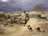 The Pyramids of Giza and the Great Sphinx Fotografisk tryk af B. Anthony Stewart