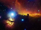 Regione di Alnitak nella costellazione di Orione (nebulosa fiamma NGC2024, nebulosa testa di cavallo IC434) Arte di Stocktrek Images,