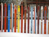 Fence Made from Skis, City of Leadville. Rocky Mountains, Colorado, USA Fotografie-Druck von Richard Cummins