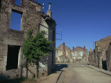 Oradour-Sur-Glane, Limousin, France Lámina fotográfica por Robert Cundy