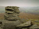 Misty View at Hound Tor, Dartmoor, South Devon, England, United Kingdom, Europe Fotografisk tryk af Lee Frost