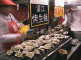 Street Market Selling Oysters in Wanfujing Shopping Street, Beijing, China Fotografisk tryk af Kober Christian