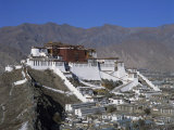 Potala Palace, UNESCO World Heritage Site, Lhasa, Tibet, China Photographic Print by Gavin Hellier