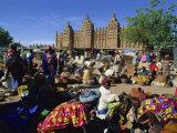 Monday Market Outside the Grand Mosque, UNESCO World Heritage Site, Djenne, Mali, West Africa Premium fotografisk trykk av Morandi Bruno