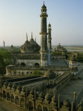 Mosque in Grounds of the Bara Imambara, Lucknow, India Reproduction photographique par John Henry Claude Wilson